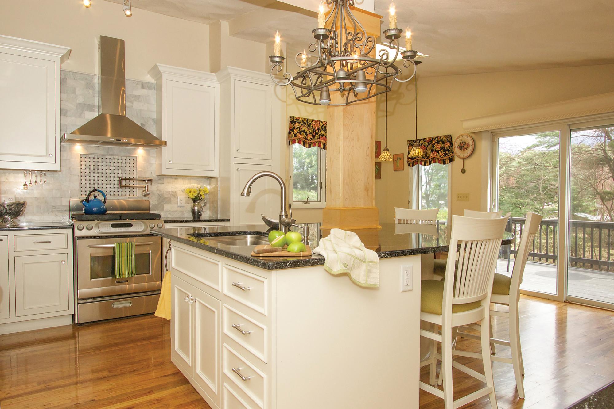 Burlington Traditional Kitchen