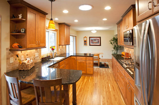 Burnsville-1960's Rambler Kitchen Remodel - Traditional ... on cape cod remodeling ideas, ranch style house additions ideas, colonial remodeling ideas, contemporary remodeling ideas, custom remodeling ideas, mobile home landscaping ideas, low ceiling basement remodeling ideas,