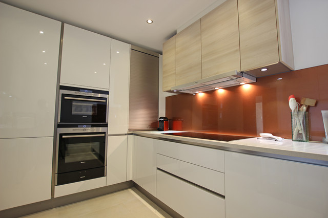 Burnt Umber Kitchen Splashback Contemporary Kitchen