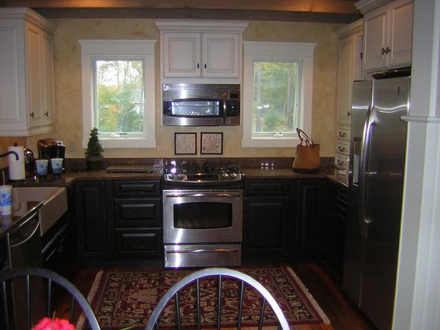 Burton Cottage farmhouse-kitchen