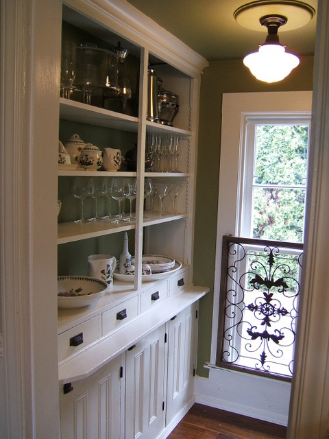 butlers pantry traditional kitchen - Butler Pantry Design Ideas