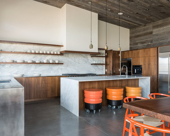 Kitchen Design Ideas, Renovations & Photos with Beige Cabinets and