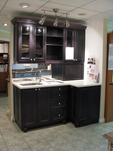 Http Houzz Com Photos 37025 By Sandra Howie Rona Port Perry Displays Traditional Kitchen Toronto