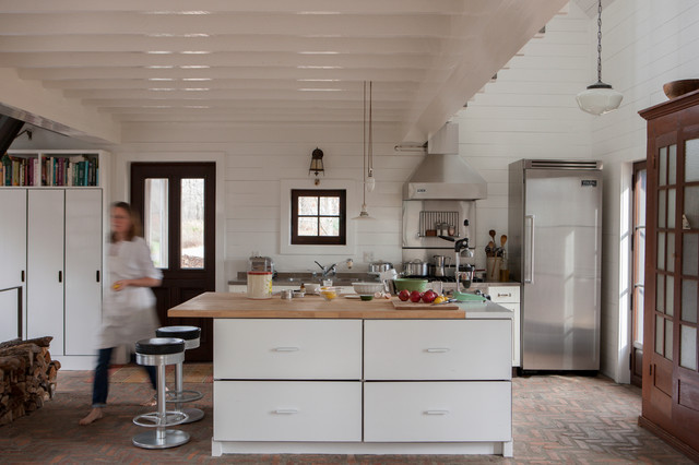 Cabin in Fitch Bay, Quebec rustic-kitchen