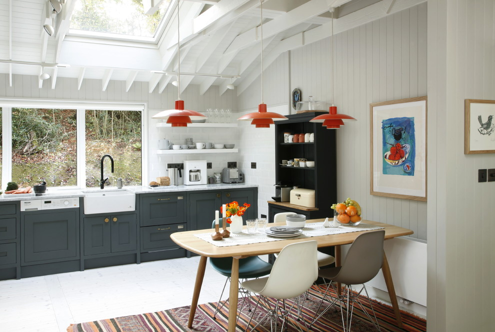 Example of a 1960s kitchen design in London