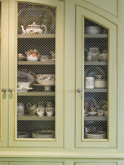 Cabinet detail traditional-kitchen