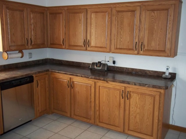 Cabinet Refacing done in Red Oak - Traditional - Kitchen - minneapolis - by KITCHEN SOLVERS - La ...