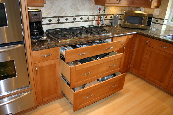 Cabinets carpentry for Carpenter for kitchen cabinets