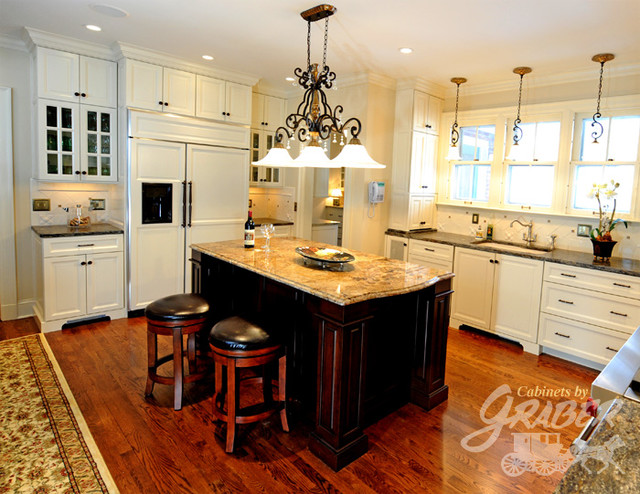 Cabinets by Graber Kitchen Projects traditional kitchen