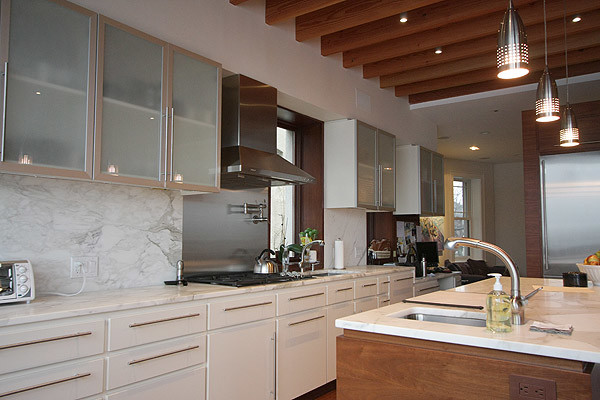 Cabinets by stanley hoboken getaway contemporary for Kitchen design 01532