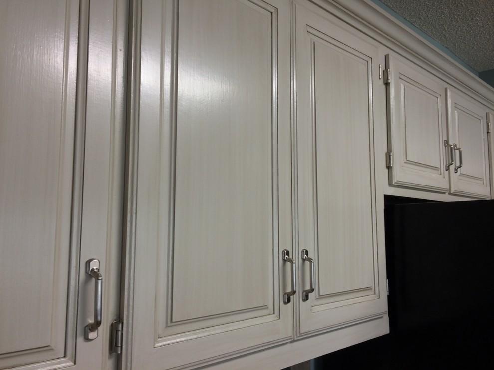 Golden Oak To Light Gray Glaze, White Cabinets With Gray Glaze