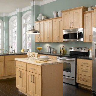 kitchen cabinets with hardware pictures cabinets to go 8178