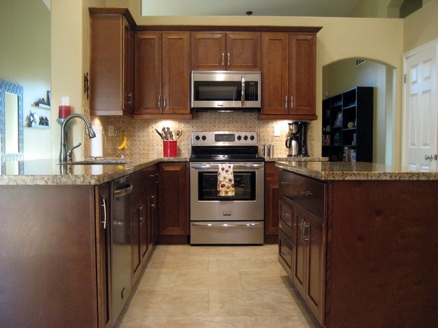Cabinets to go customer 39 s pics traditional kitchen for Kitchen cabinets to go
