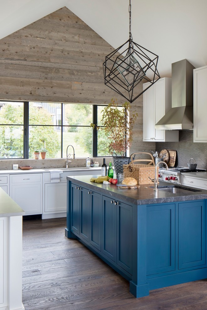 Inspiration for a large rustic u-shaped dark wood floor and brown floor kitchen remodel in Other with shaker cabinets, an island, an undermount sink, white cabinets, gray backsplash, mosaic tile backsplash, stainless steel appliances and gray countertops