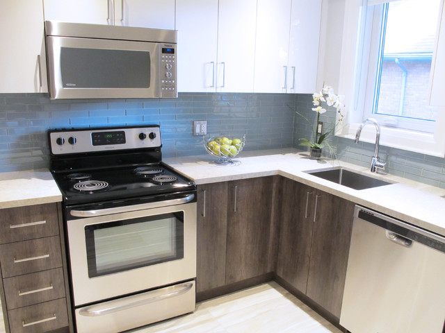 Caesarstone Bianco Drift - Contemporary - Kitchen - Toronto - by York Fabrica Inc.