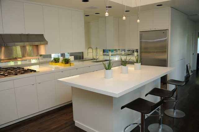 Caesarstone Blizzard : 2141 contemporary-kitchen