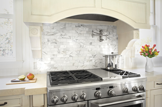 Calacatta & Crema Marfil Kitchen contemporary-kitchen