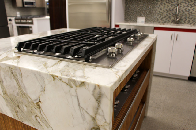 Calacatta Oro Marble Counter Top with Kitchen Aid 36\
