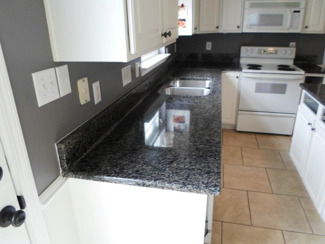 Caledonia Granite for White Cabinets - Traditional - Kitchen ...