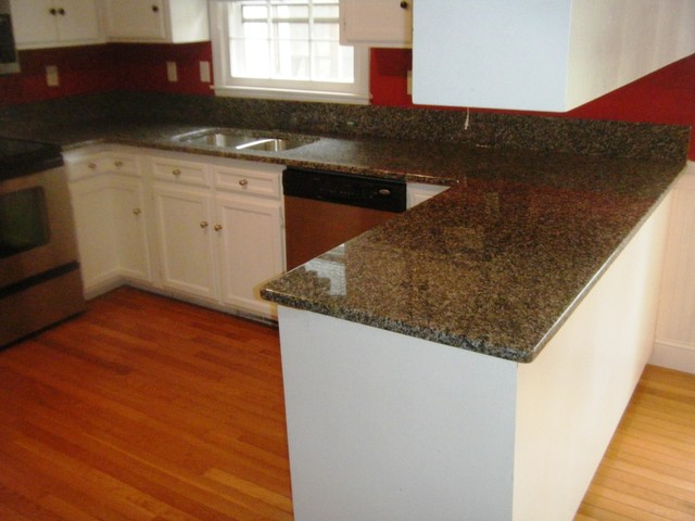 Caledonia Granite For White Cabinets Traditional Kitchen Charlotte By Fireplace