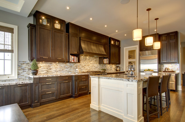 Calgary 39 S Country Chic Living Traditional Kitchen