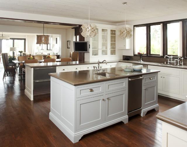 California Beach House beach-style-kitchen