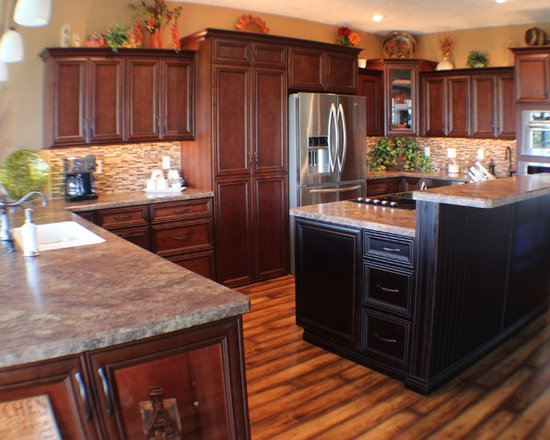 Floor Laminate L-Shaped Kitchen Design Ideas, Remodels & Photos with ...