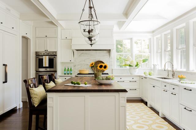 Cambridge Kitchen and Breakfast Nook