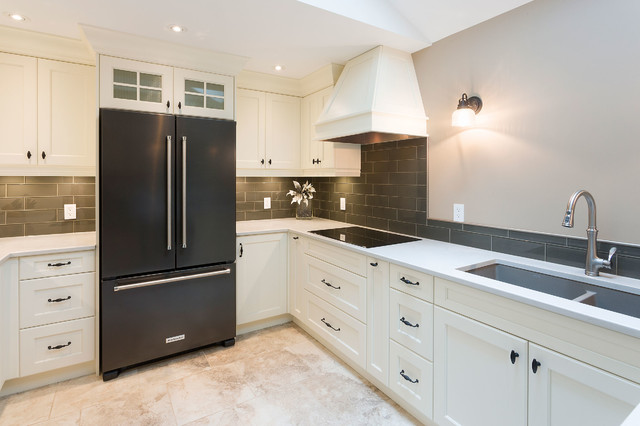 Cambridge Kitchen Renovation - American Traditional - Kitchen - Other - by  Harwood Design Builders Ltd. | Houzz