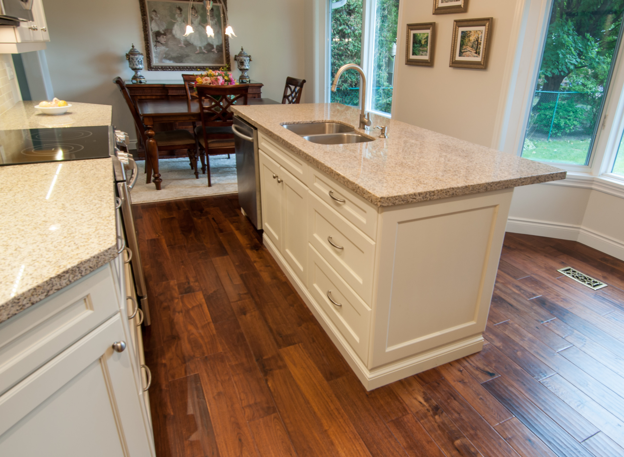 Camelot Transitional Kitchen