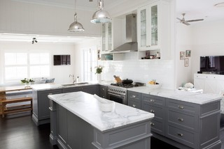 white kitchens with dark lowers 3