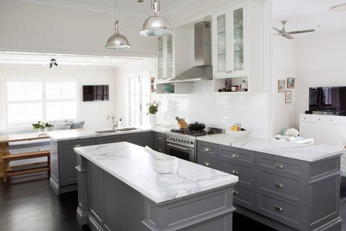 Why two toned kitchen cabinets rock a pop of pretty blog for Kitchen ideas st johns woking