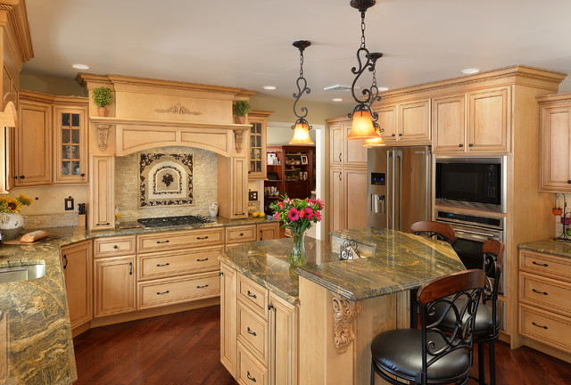 Candlelight cabinetry portfolio traditional kitchen 28 for Candlelight kitchen cabinets