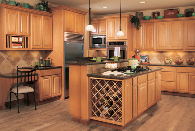 Canyon Creek Cornerstone - Athens Roman in Beech with a Cinnamon stain - Traditional - Kitchen ...