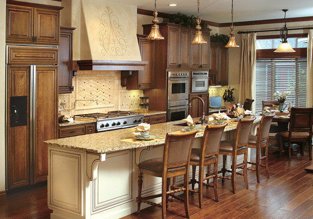 Canyon creek cornerstone belvedere in cherry maple for Canyon creek kitchen cabinets