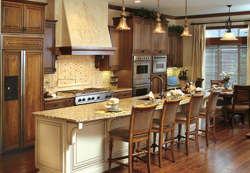 traditional tuscan - Kitchen Cabinets Reno