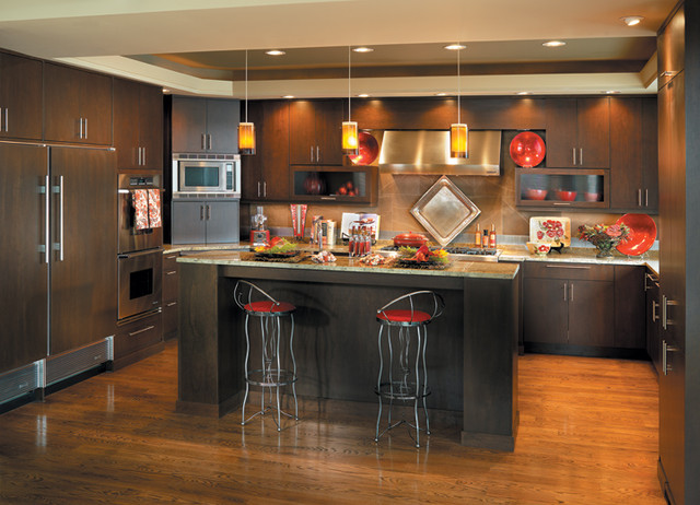 Canyon creek millennia nova in cherry with a java stain for Canyon creek kitchen cabinets