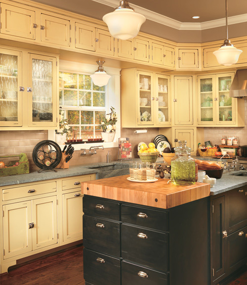 Canyon creek shaker in inset with cornsilk paint for Canyon creek kitchen cabinets