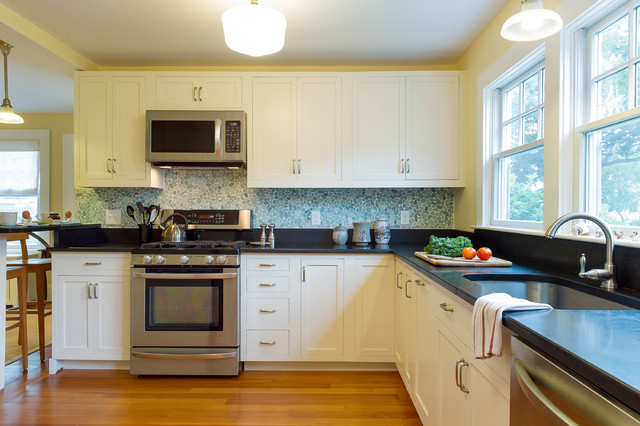 Cape cod beach house remodel beach style kitchen for Cape cod style kitchen design