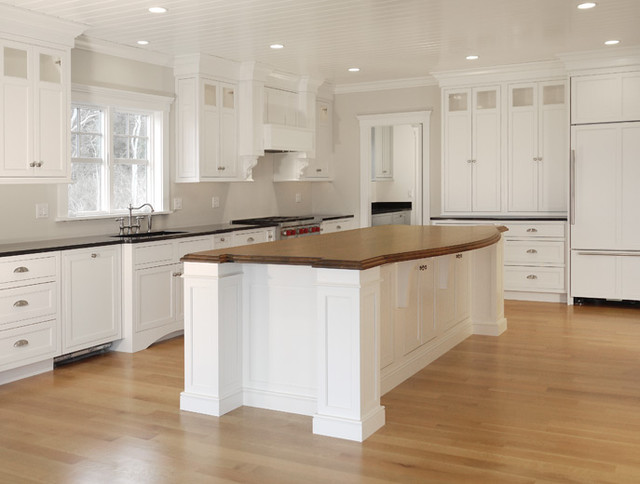 Cape Cod Classic Kitchen - Beach Style - Kitchen - Boston ...