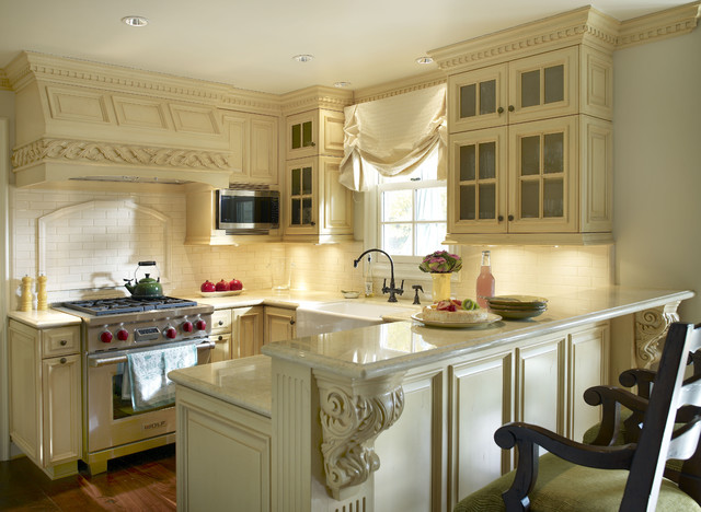 Cape cod guest retreat kitchen traditional kitchen for Cape cod kitchen design ideas
