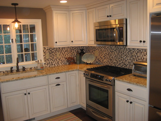 Cape cod traditional kitchen boston for Cape cod style kitchen design