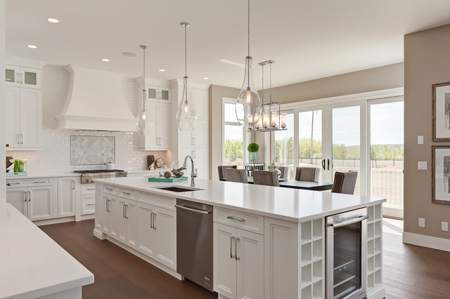 Cape Cod Inspired 2 Y Kitchen