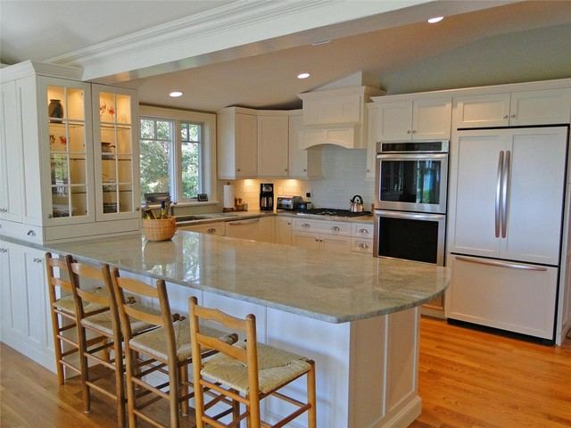 Cape cod kitchen traditional kitchen boston by for Cape cod kitchens pictures
