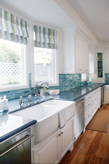 Cape Cod traditional-kitchen