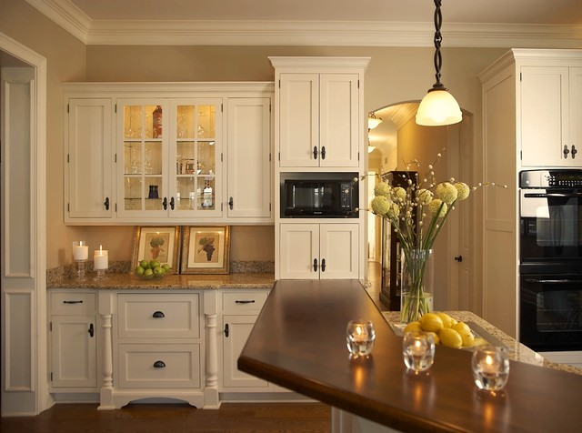 Cape cod kitchens on pinterest for Cape cod kitchen design ideas