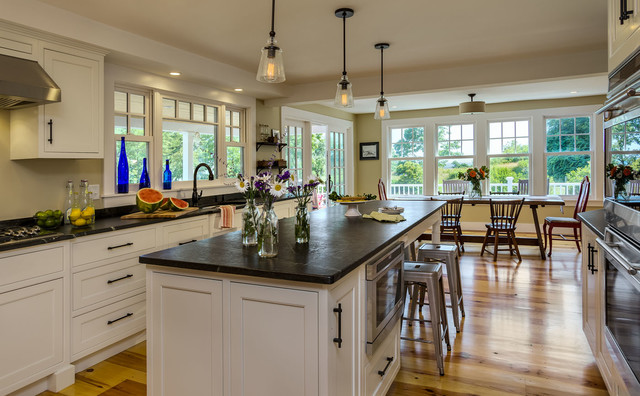 Cape cod style farmhouse renovation remodel kittery maine for Cape cod style kitchens