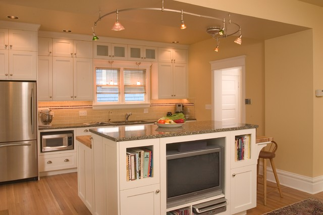 Capital Hill Kitchen traditional-kitchen