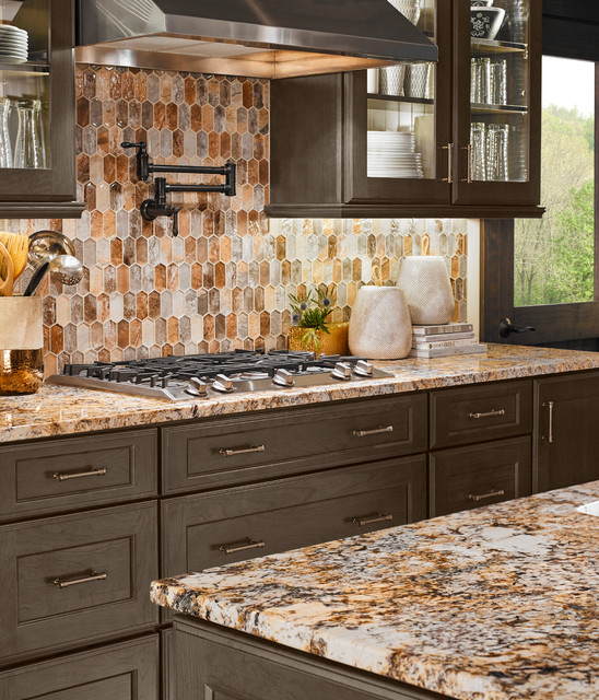 Caravelas Gold Granite + Taos Picket