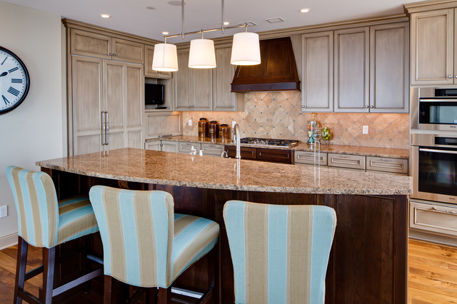 Carlyle Penthouse traditional-kitchen